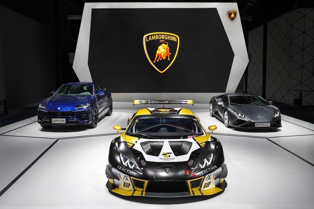 兰博基尼汽车公司携三款车型亮相第24届成都国际汽车展览会