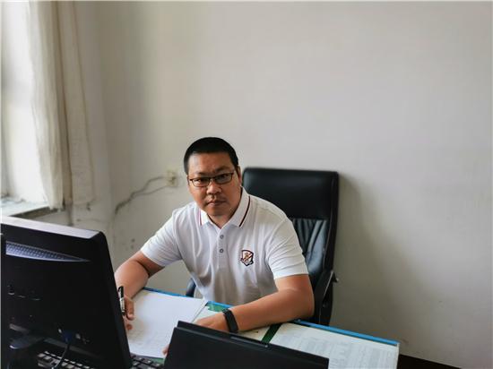 宁安市教师进修学校——杨威