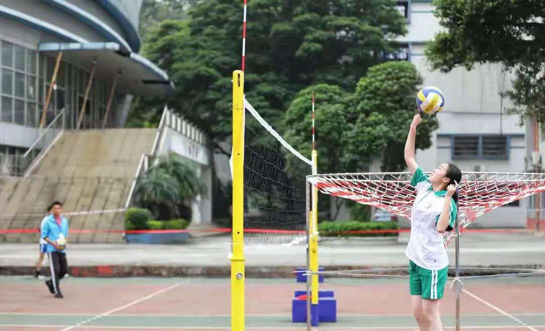 2020年广州市中考体育排球项目考试图片
