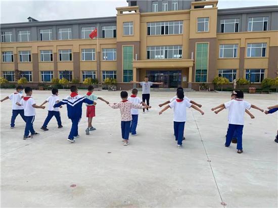 绥化市望奎县恭六乡中心小学——蔡洋洋