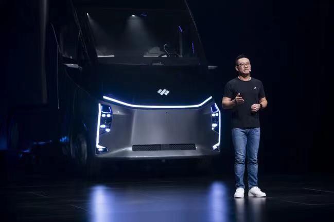 DeepWay新能源自动驾驶重卡星途1代发布 6分钟可完成换电
