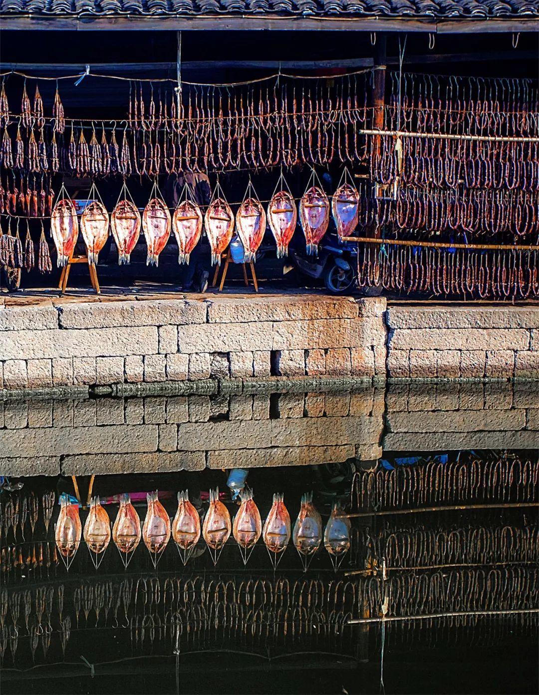 熏、酱、晒。图1摄影/吕科 图2安昌古镇