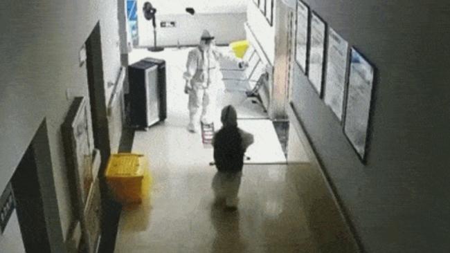 福建莆田最小确诊者仅4岁 独自进隔离区做CT检查