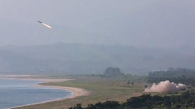 朝鲜向东部海域发射2枚弹道导弹 日本强硬表态