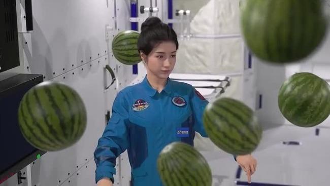 """神舟十二号航天员即将归来 """"出差""""三个月回家最想吃什么?"""