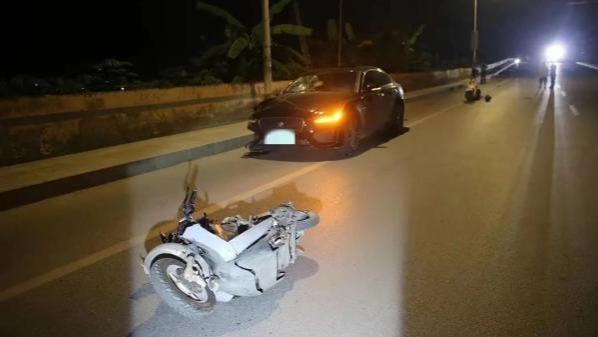 男子酒后展示车技不顾女伴哭喊 连撞3车致1人当场死亡