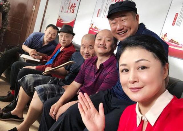 """闫学晶将接棒于月仙出演""""谢大脚""""?本人回应"""