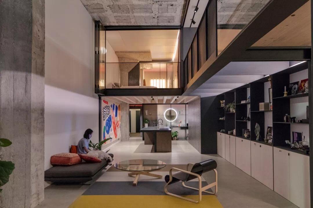 130㎡ 廠房改造成 LOFT 住宅,這才是有個性的輕工業設計