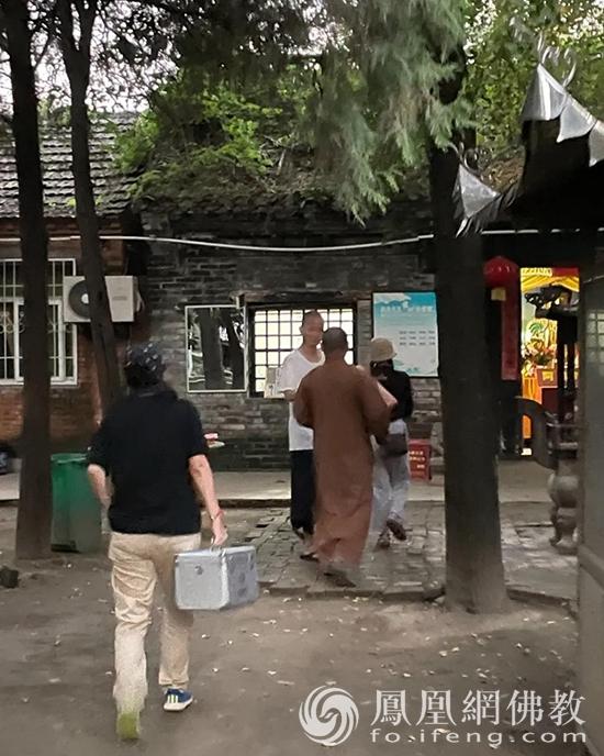 愿师父们一切安好!慧海公益走进河南,为90所寺院送上中秋慰问物资