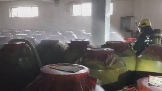 地震致瀘州陳年窖200余噸白酒泄漏