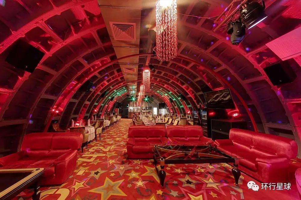 地堡内的餐厅