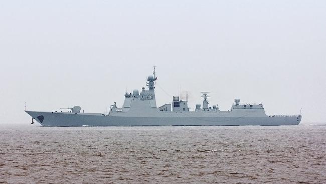 南海戰略態勢感知:中國海軍驅逐艦橫在美艦和臺灣島之間