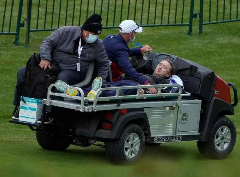 知名童星汤姆打球突然晕倒!当场瘫软在地,面色惨白被送上救护车