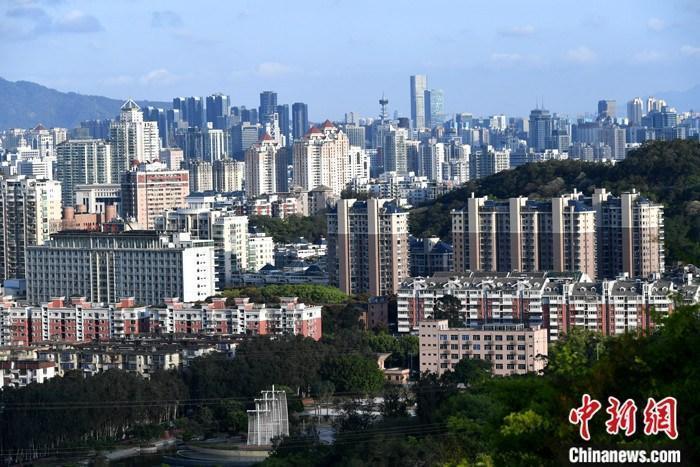 资料图:城区楼宇林立。中新社记者 王东明 摄