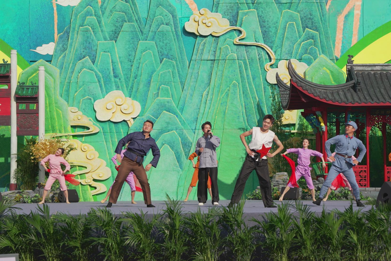 """放歌""""希望的田野"""" 礼赞""""农民丰收节""""——第八届中国农民歌会暨""""唱支山歌给党听""""大家唱群众歌咏成果展示活动在滁州唱响"""