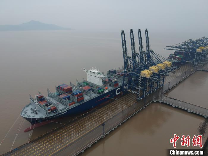 浙江宁波一港口。 周维强 摄