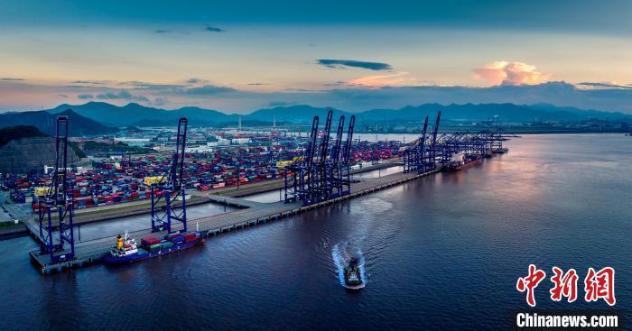 宁波一港口。 邱文雄 摄