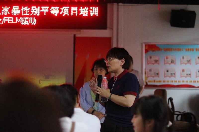 参加公益活动的李莹。受访者供图