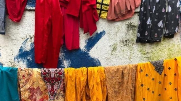 被控强奸未遂 印度一洗衣工被罚为千名妇女洗熨衣服半年