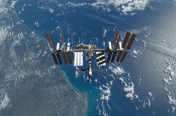 俄将在国际空间站拍摄首部太空电影!摄制组已达发射场