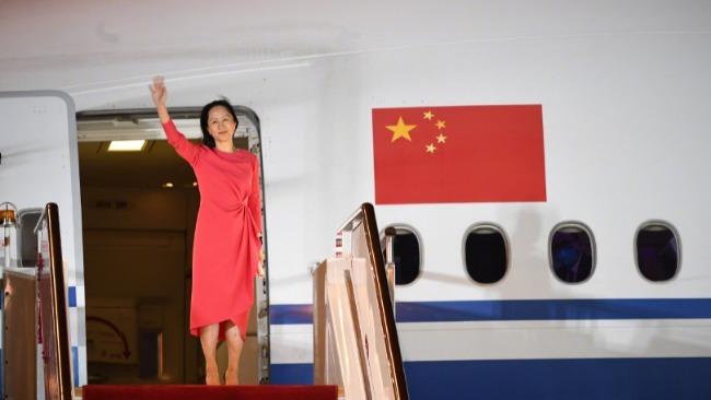 孟晚舟到达深圳机场