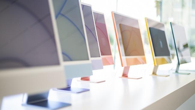 苹果零售店内的iMac