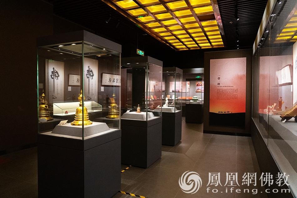佛教艺术珍品展·一带一路(图片来源:凤凰网佛教 摄影:珠海普陀寺)