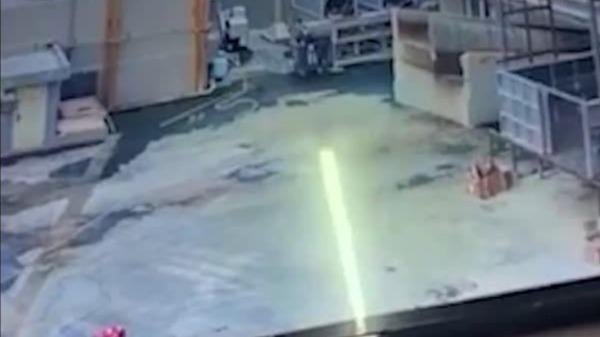 惠州一肉联厂化粪池燃爆掀开地板 致1工人身亡