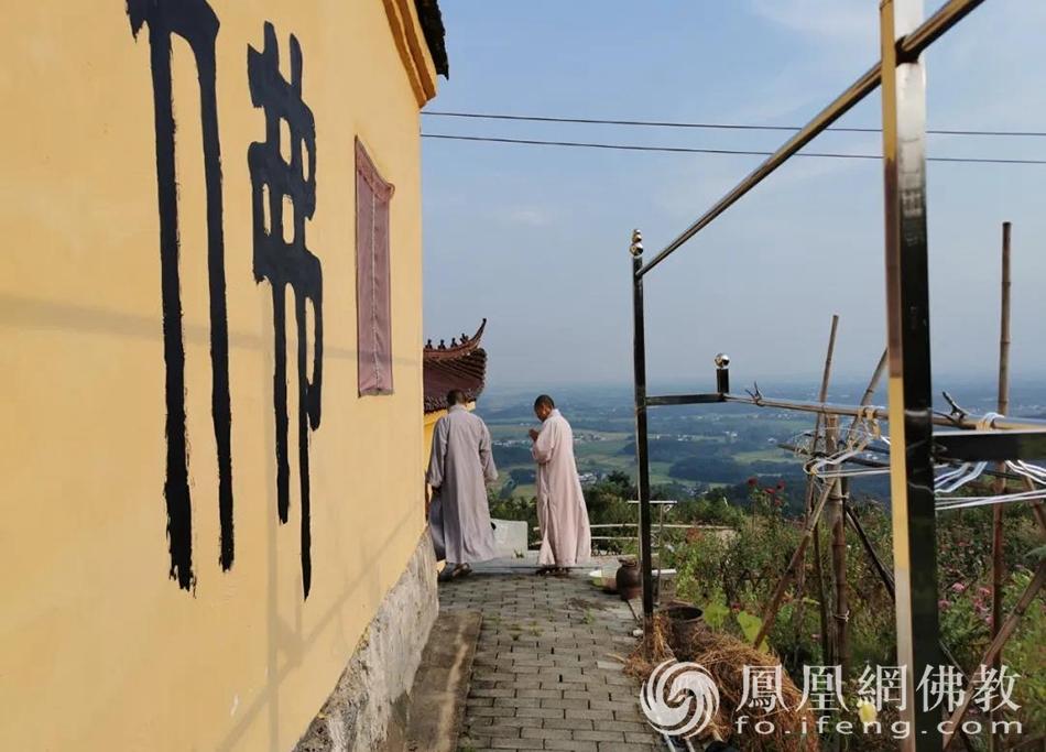 """大山里的真实僧活:柴米油盐与""""诗""""和""""远方"""""""
