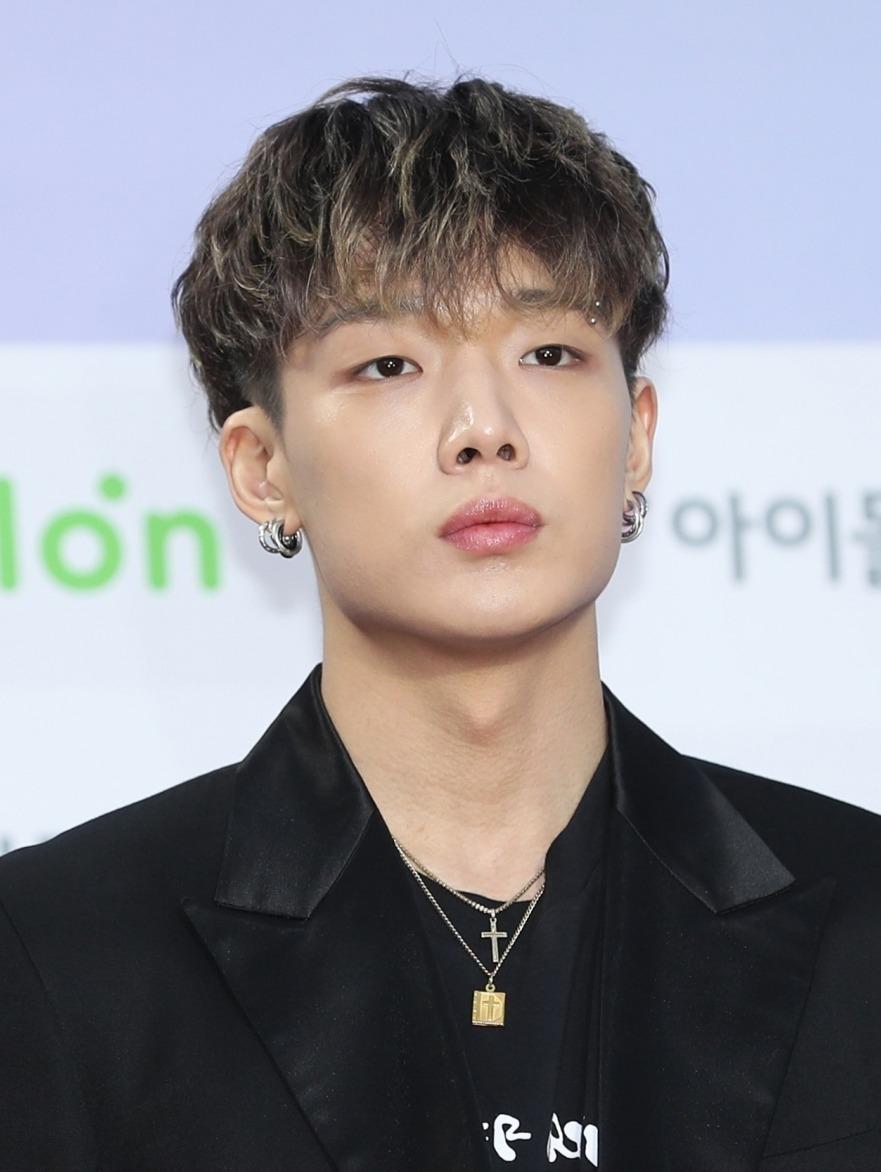 韩国组合iKON成员Bobby升级当爸 此前宣布结婚震惊粉丝
