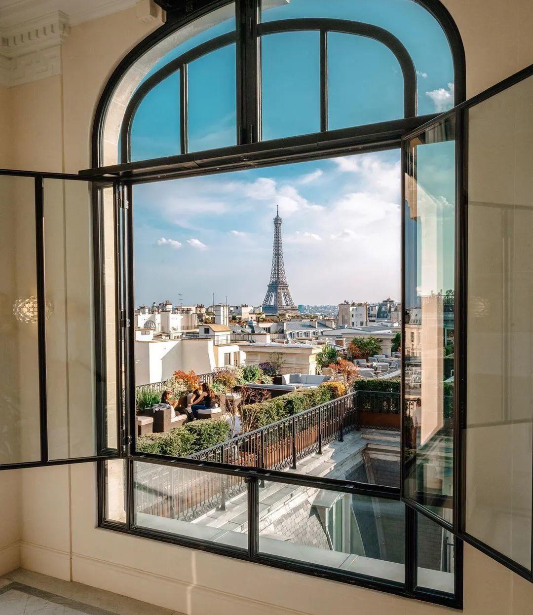 ▲ 2014年8月开业的巴黎半岛是半岛第10家酒店