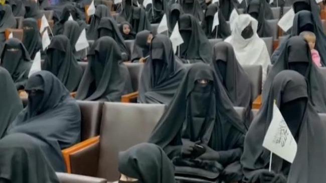 喀布尔大学校长称禁止女性入校 阿塔:系其个人观点