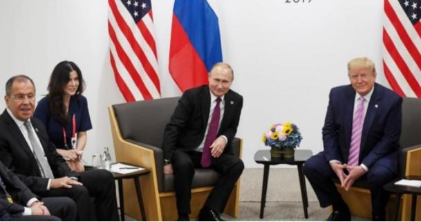 美国称普京挑选美女翻译分散特朗普注意力 俄方回应
