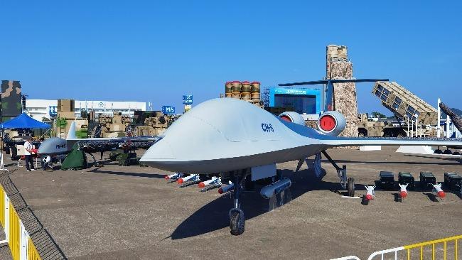 彩虹-6无人机生存力极强 巡航高度达万米可有效规避防空炮火威胁