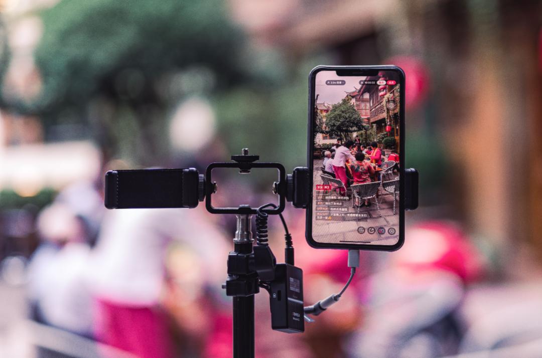 """如今,不少城市因短视频的传播,一跃成为令人心驰神往的""""网红 城市""""。/图虫创意"""
