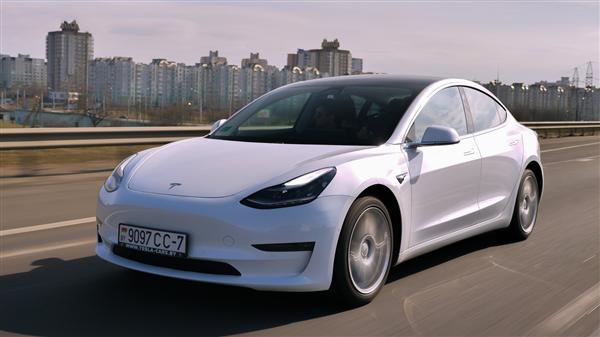 新能源车高速充电要排队4小时 网友:我都到家了 朋友还在充电