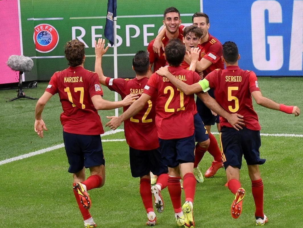 西班牙男足2-1击败意大利队 闯入欧国联决赛