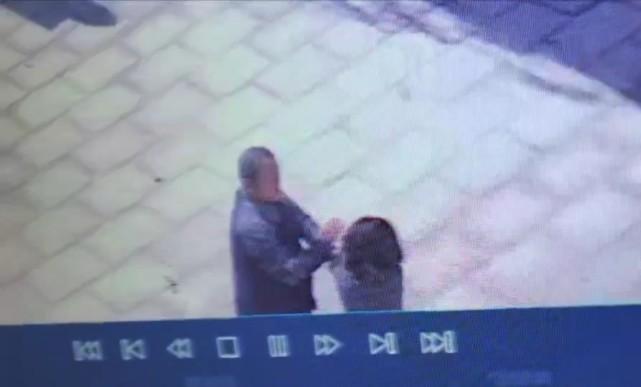 济南一传统文化培训学校校长扇学生耳光 校长被拘学校的两个校区都已摘牌
