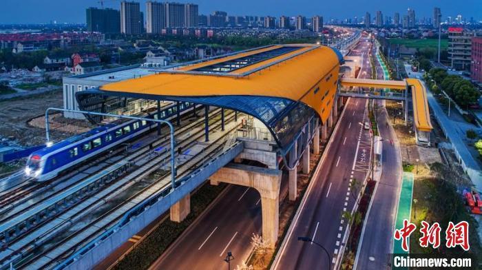 杭海城际铁路畅通杭州都市圈大动脉。 郁建平 摄