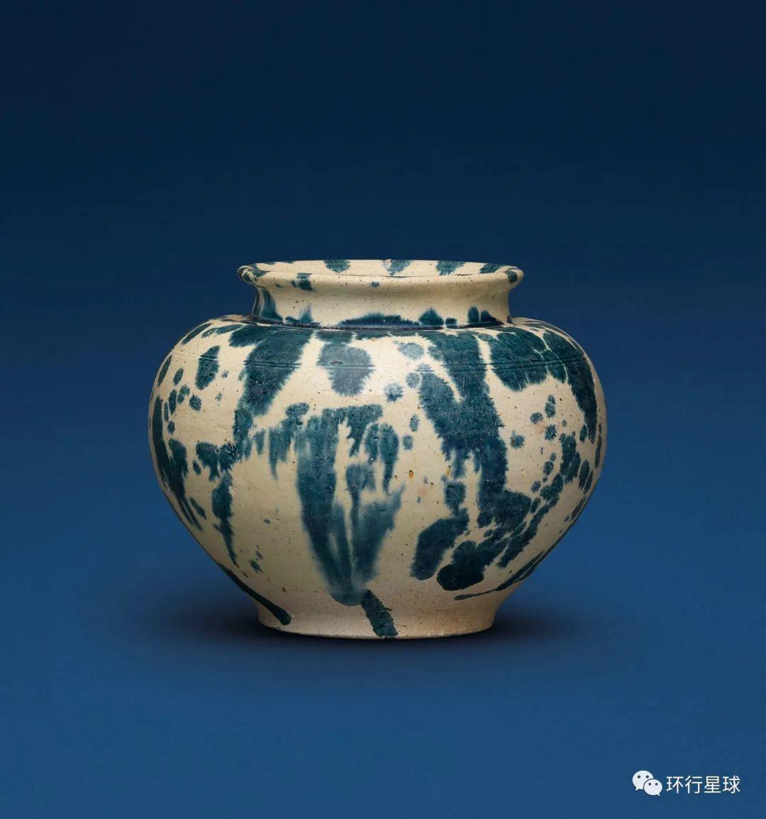 鲜见的唐代蓝花彩陶。 图:christies.com