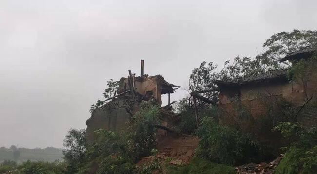 闫家庄魁星楼已在大雨中倒下去了,不复存在。图片来源 连达画古建