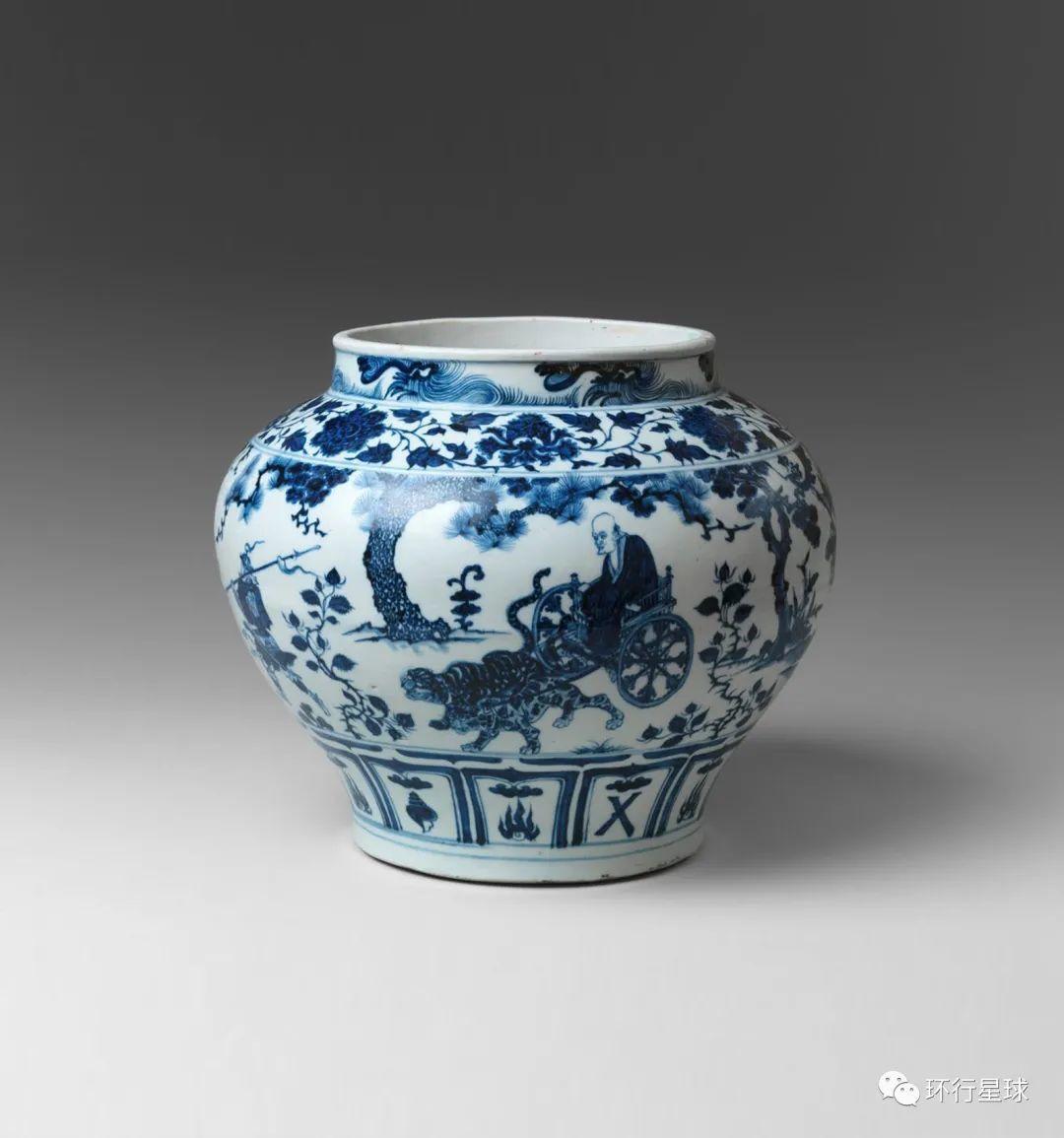 """""""讲故事""""的元青花鬼谷子下山图罐。在2005年经伦敦佳士得拍卖会上以约合人民币2.3亿的价格拍出,创下了当时中国艺术品在世界上的最高拍卖纪录。"""