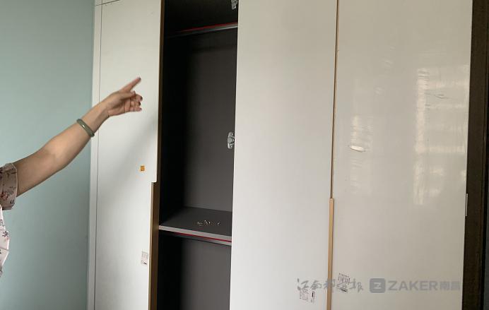 南昌永盛衣柜定制家具起争议 两度维修问题仍未解决