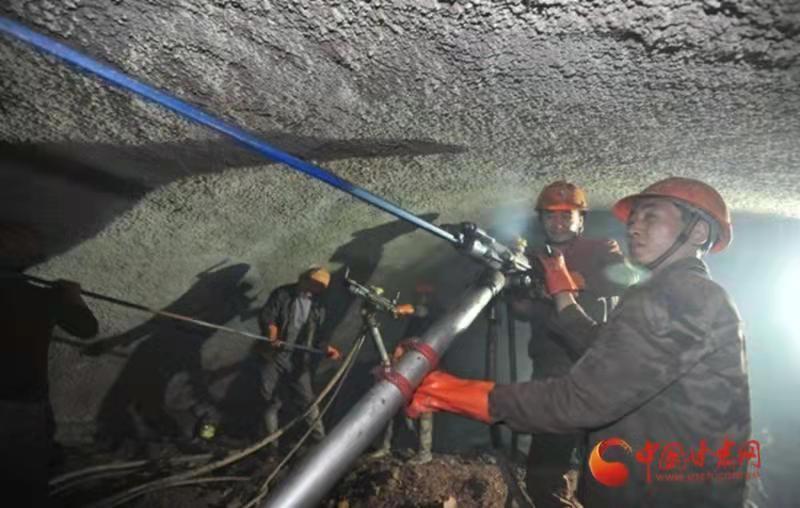 隧道工程不良地质带密布,建设难度大。