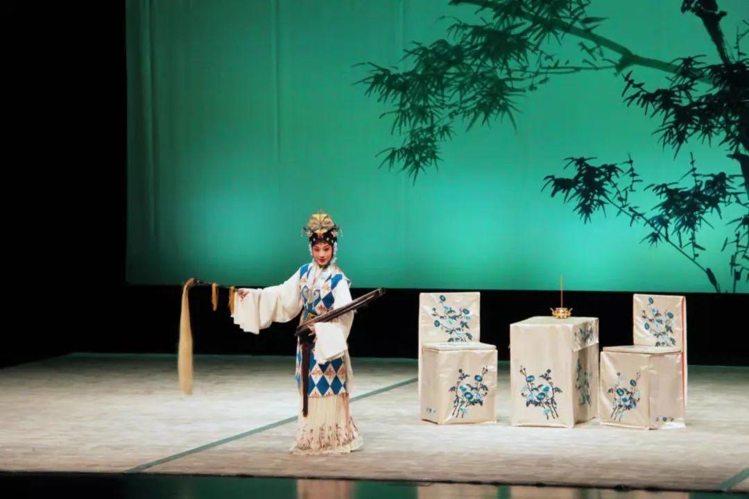 上海昆剧团带来的《玉簪记》