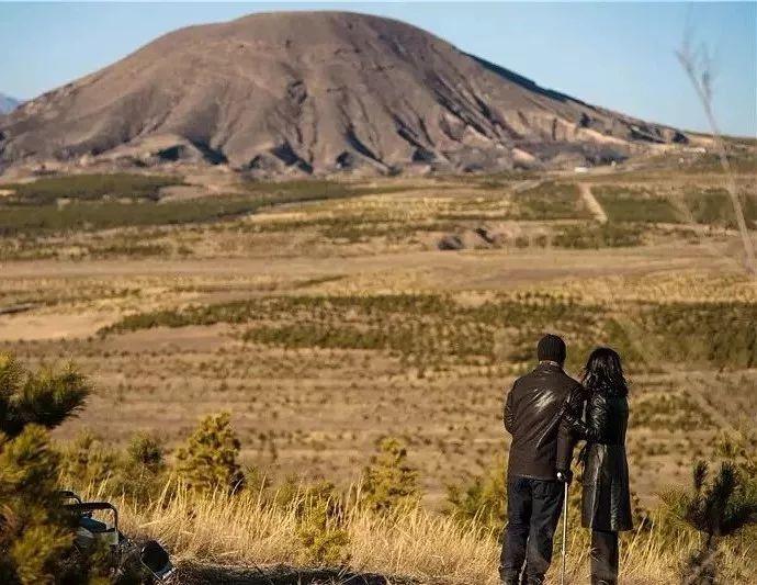 《江湖儿女》里将大同的火山作为背景。
