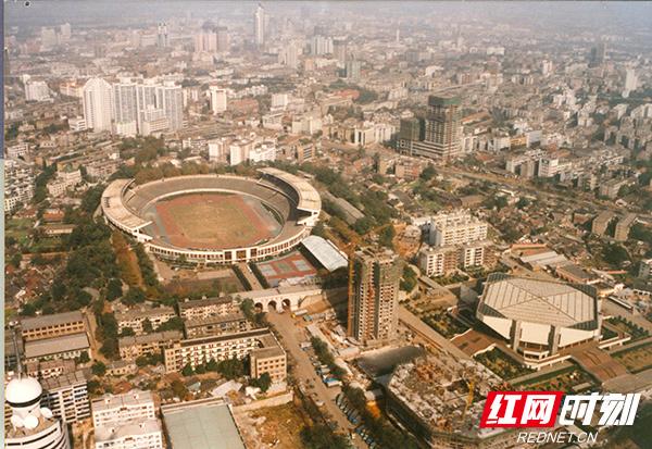 02--长沙-八十年代末贺龙体育场原貌.jpg