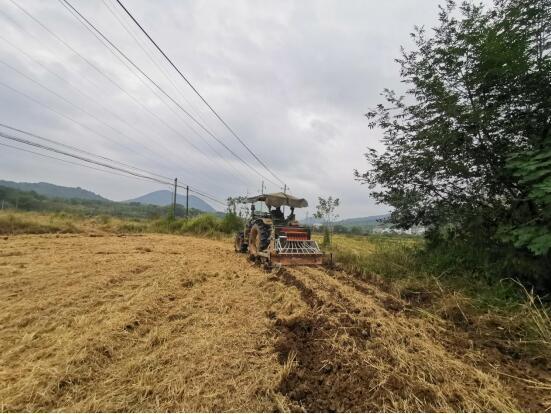 九江德安县:农人用上免费新农具