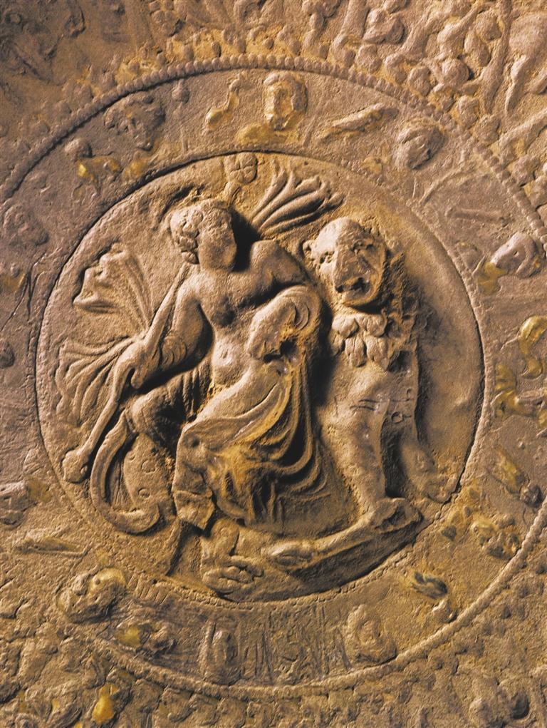 鎏金银盘(局部) 本版照片均由甘肃省博物馆提供