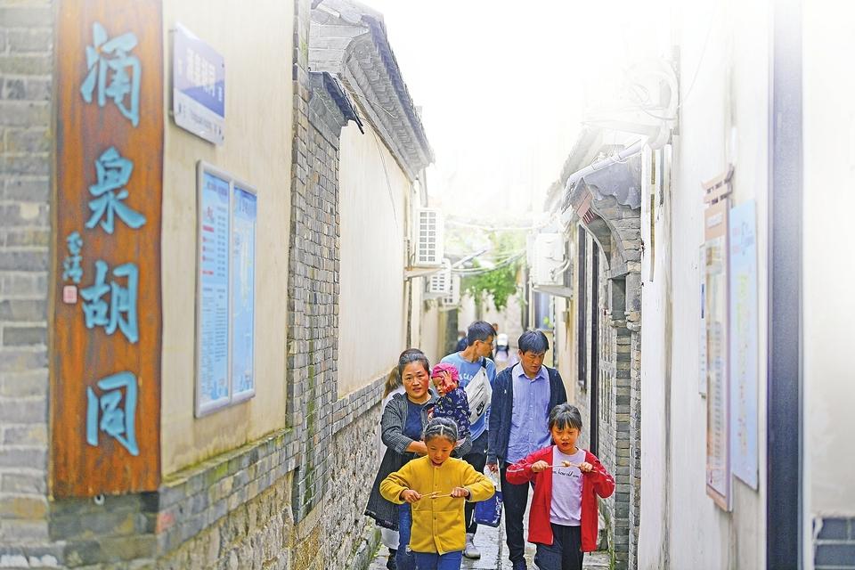 济南的老街旧巷成为旅游热门去处